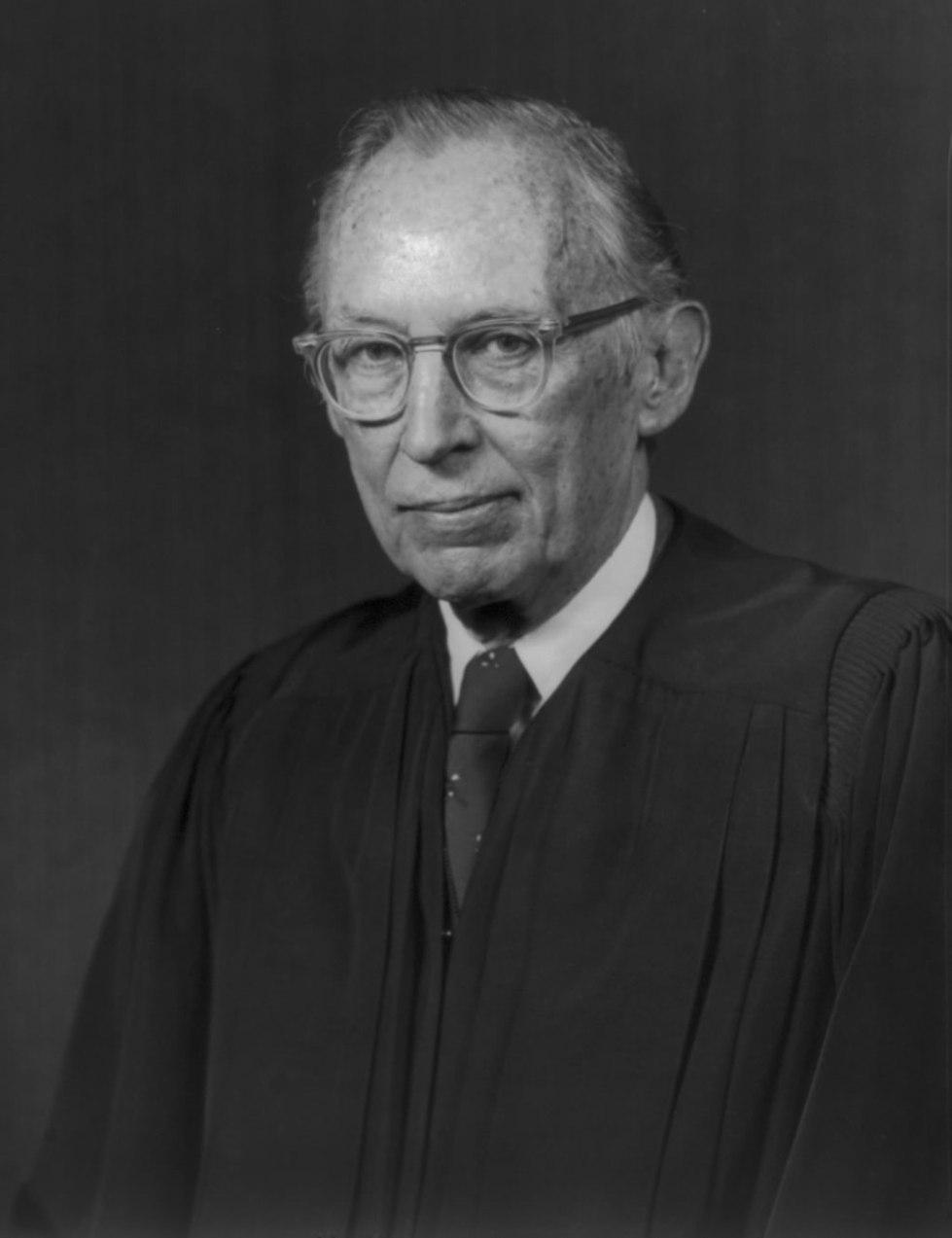 1024px-US_Supreme_Court_Justice_Lewis_Powell_-_1976_official_portrait