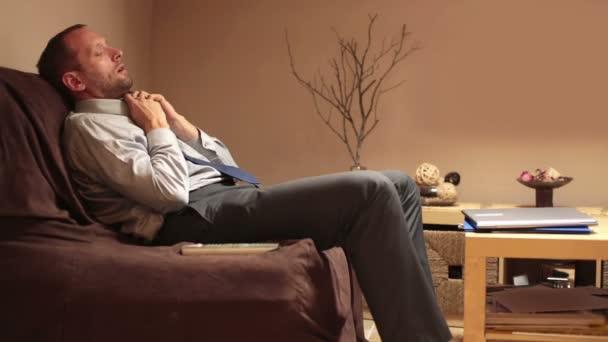 depositphotos_38551569-stock-video-tired-businessman-after-work