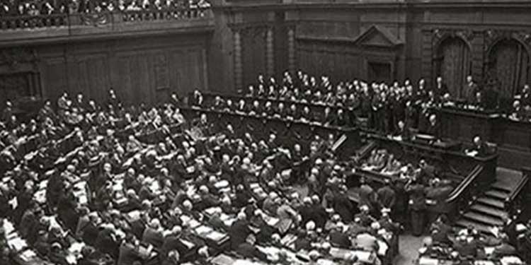 la-germania-adotta-la-costituzione-di-weimar